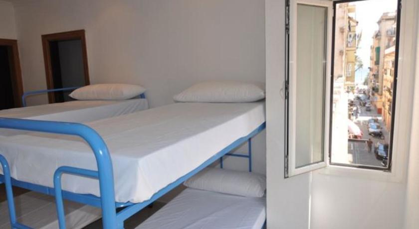 Bedcelona Beach Club & Rooms