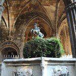 Sant Jordi nel chiostro della Cattedrale di Barcellona