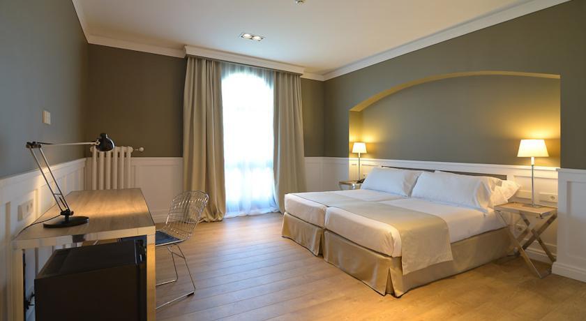 Hotel 3 stelle barcellona prenotare alberghi 3 stelle for Migliori hotel barcellona