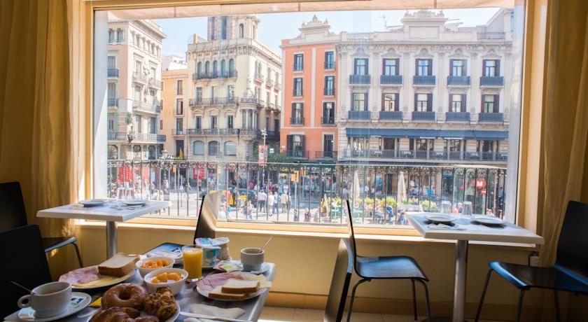 La rambla barcellona las ramblas hotel appartamenti for Alloggi a barcellona