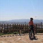 cycliste dans le Mirador del Migdia