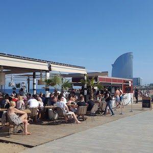 Bar sulla spiaggia di Barcellona